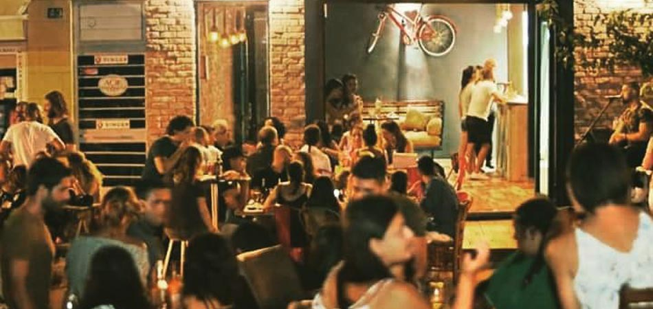 Friday nights, the café stays open till late and organises live music gigs